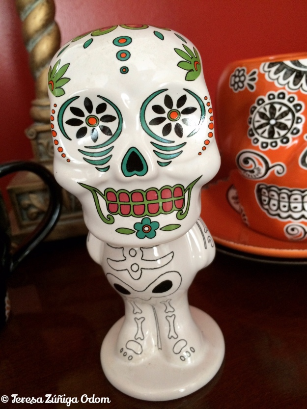 Walgreens Sugar Skull bobble head...