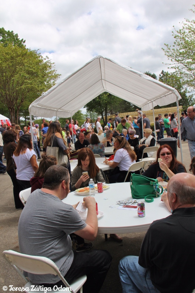 Crowds of people enjoy delicious Turkish food at the 3rd annual Turkish Food Fest!