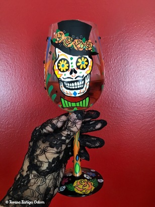The Sugar Skulls glass has a female and male on the glass - both are perfect for my Day of the Dead/Dia de los Muertos celebration!