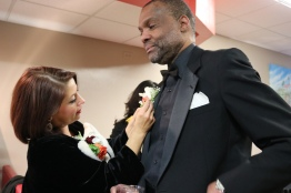 Willie gets a corsage from Denise